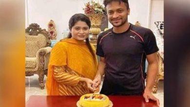 Photo of বোনকে নিয়ে জন্মদিনের কেক কাটলেন সাকিব