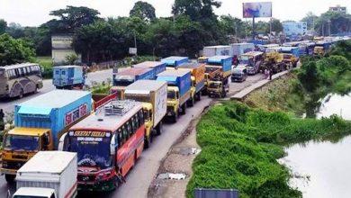 Photo of ঢাকা-টাঙ্গাইল মহাসড়কে ১৭ কিলোমিটার যানজট