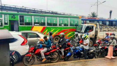 Photo of বনানী থেকে উত্তরা থমকে আছে যানজটে