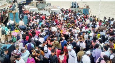 Photo of শিমুলিয়াঘাটে আজও ভিড়, নানা অজুহাতে পদ্মা পার হচ্ছে মানুষ