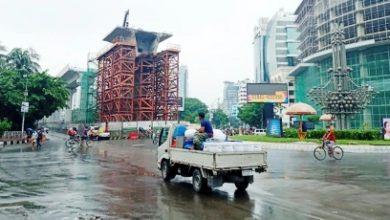 Photo of কঠোর অবস্থানে পুলিশ, ঢাকার রাস্তা ফাঁকা