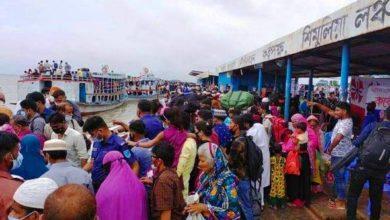 Photo of শিমুলিয়া লঞ্চঘাটে যাত্রীর চাপ, মানা হচ্ছে না স্বাস্থ্যবিধি
